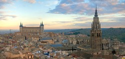 550px-Toledo_Skyline_Panorama,_Spain_-_Dec_2006