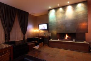 Lounge Bar Chimenea