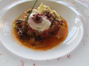 Sabor y tradicion manchega en la cocina del restaurante